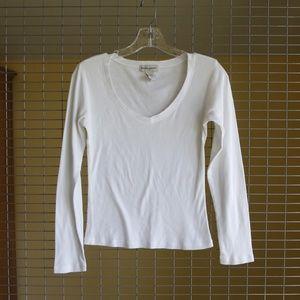 white long sleeve v-neck t-shirt